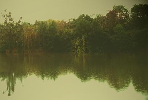 Rzeka kolo Sydney. Podrobiona trochę na photoshopie...
