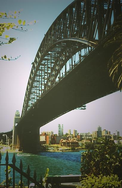 Pod Habour Bridge, Sydney #HabourBridge #most #Sydney #ocean