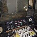 Koszalińska Kolej Wąskotorowa - Mbxd2-307. Pulpit a za nim świeżo wstawiona szyba. 24.05.2008 #Koszalin #Wąskotorówka #TMKW #KoszalińskaKolejWąskotorowa