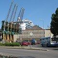 Crown Princess, 289m dł, 36m szer, ponad 3000 pasażerów, 1200 czł. załogi #CrownPrincess #statek #Gdynia #port #Hel
