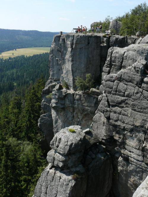 Szczeliniec - najwyższy szczyt Gór Stołowych