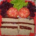 Pasztet z indyka z wiśniową galaretką .Przepisy na : http://www.kulinaria.foody.pl/ , http://www.kuron.com.pl/ i http://kulinaria.uwrocie.info #pasztet #śniadanie #kolacja #imprezy #przyjęcie #jedzenie #kulinaria #gotowanie #PrzepisyKulinarne