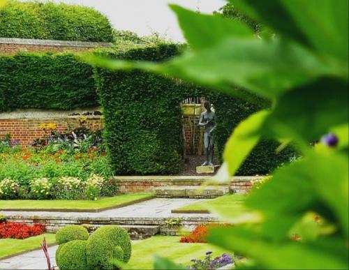 Pond Gardens - powstaly na miejscu stawow rybnych #Hampton #Londyn #Tudor