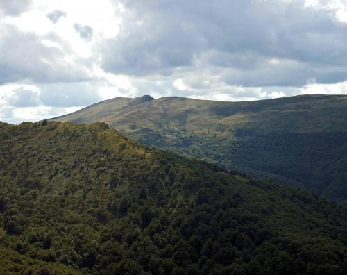 Gniazdo Tarnicy i Halicza w Bieszczadach #Bieszczady #krajobraz #góry #Tarnica #Karpaty #chmury