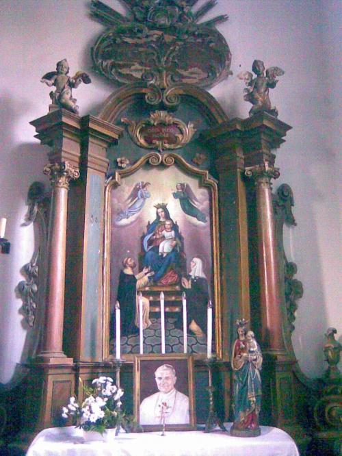 Bażyny k. Ornety - ołtarz w kościele parafialnym