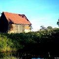 #woda #staw #drzewa #buda #stodoła #lato